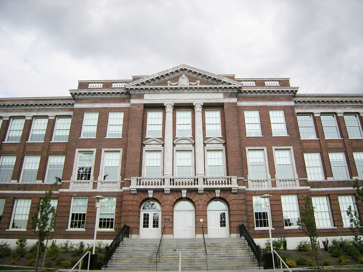 1200px-Seattle_-_Cleveland_High_School_01A